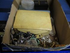BOX CONTAINING MIXED COSTUME JEWELLERY ETC