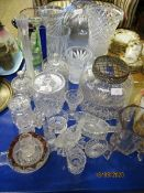 MIXED LOT OF GLASS WARES, BOWLS, VASES, ETC