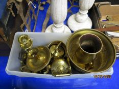 PLASTIC TUB CONTAINING BRASS MINIATURE TEA POTS, VASE ETC