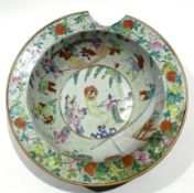 Large 19th century Chinese export porcelain bowl with famille rose decoration of Chinese figures