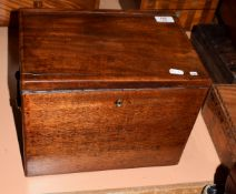 19th century mahogany carrying case or apothecary's box, with lifting lid and lift out tray, applied