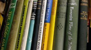 Gardening. 22 books-