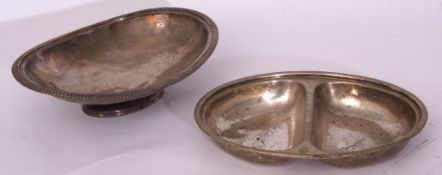 GER plated oval 2-compartment serving dish by Elkington 30 x 22cm, together with a plated oval