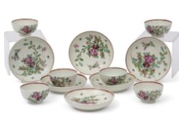 Group of 18th century Lowestoft porcelain tea bowls and saucers, set of six, all with polychrome