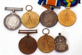Great War pair of medals to No 29078 Pte H E Baker of Essex Regt to include British War Medal and