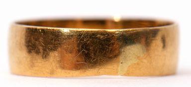 22ct gold wedding ring, plain polished design, Birmingham 1902, 2.4gms, size I/J