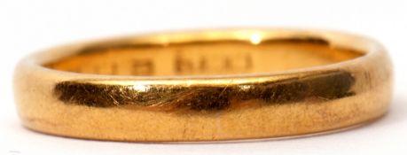 22ct gold wedding ring, plain polished design, London 1931, size M, 4gms