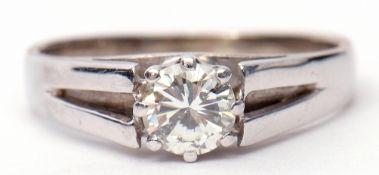 Single stone diamond ring featuring a brilliant cut diamond, 0.30ct approx, raised between split