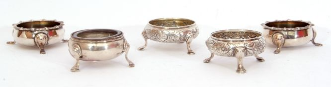 Mixed Lot: George VI silver open salt of cauldron form on three hoof feet with later clear glass