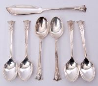 Set of six late Victorian silver plated tea spoons in Onslow pattern and bearing a crest, together