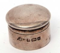 Small Edwardian circular pill box and lid, Birmingham 1903 by Green & Son, 2.5cm diam