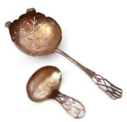 Mixed Lot: mid-20th century silver caddy spoon, the pierced floral design handle to a plain polished