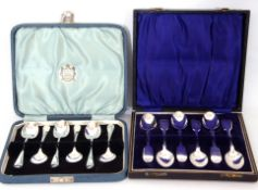 Mixed Lot: cased Victorian set of six silver Fiddle pattern tea spoons, 1898, maker's mark Wakeley &