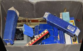 Case containing Hornby Dublo 3-rail items, mostly playworn: BR (SR) 4-6-2 West Country locomotive