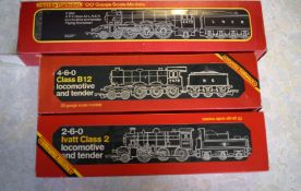 Box containing three Hornby Railways 00 gauge locomotives, boxed and in very good condition: R.855