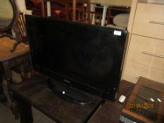 """SAMSUNG LED FLAT SCREEN 32"""" TV"""