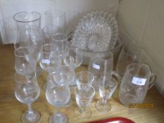 QUANTITY OF VARIOUS HOUSEHOLD GLASS