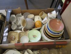 BOX CONTAINING GOOD QUANTITY OF VARIOUS HOUSEHOLD AND VINTAGE CERAMICS