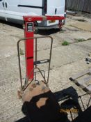 SET OF AVERY BARN SCALES TYPE 3901 500CWT OR 210KGS