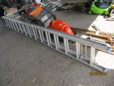 THIRTY RUNG ALUMINIUM EXTENDING LADDER