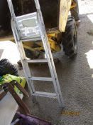 SMALL ALUMINIUM STEP LADDER
