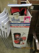 BOXED LONSDALE BOXING SET