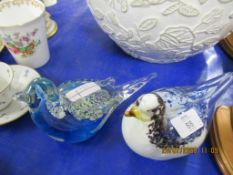 PAIR OF DECORATIVE GLASS PAPERWEIGHTS FORMED AS BIRDS