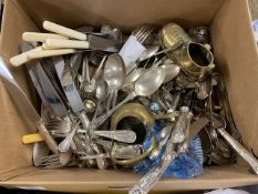 BOX: LGE QTY VARIOUS VINTAGE SILVER PLATED AND OTHER CUTLERY, METALWARES ETC
