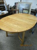 LATE 20TH CENTURY EXTENDING OVAL TABLE, APPROX 162CM