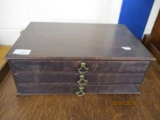 SMALL TABLE TOP THREE DRAWER COLLECTORS CABINET, WIDTH APPROX 37CM