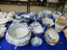 QUANTITY OF VARIOUS VINTAGE BLUE AND WHITE TRANSFER PRINTED CERAMICS INCLUDING MASON'S SPODE ETC