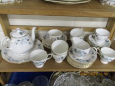 QUANTITY OF COLCLOUGH DINNER WARES INCLUDING BOWLS, CUPS AND SAUCERS, SANDWICH PLATES