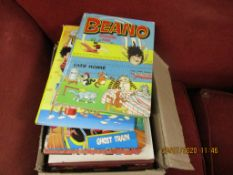 BOX CONTAINING LARGE QUANTITY OF VARIOUS CHILDREN'S ANNUALS INCLUDING BEANO, DANDY ETC