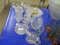 SMALL QUANTITY OF VARIOUS PRESSED VINTAGE GLASS
