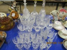 QUANTITY OF VARIOUS VINTAGE GLASS WARE INCLUDING DECANTERS ETC