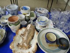 QUANTITY OF VARIOUS VINTAGE CERAMICS INCLUDING CORNISH WARE CREAM JUG ETC