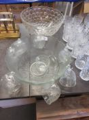 PUNCH BOWL AND CUPS, TOGETHER WITH A FURTHER LARGE PUNCH BOWL, EACH DIAM APPROX 31CM