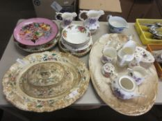 QUANTITY OF DECORATIVE HOUSEHOLD CERAMICS INCLUDING ROYAL ALBERT OLD COUNTRY ROSES PLATES BOWLS ETC