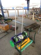 QTY OF VARIOUS GARDEN IMPLEMENTS TO INCLUDE KNEELER, HOSE LOCK SPRAYER, VARIOUS LAWN EDGINGS AND