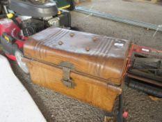 SMALL METAL TRAVELLING TRUNK