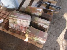 QTY OF MOULDED BRICK GARDEN EDGINGS EACH APPROX 23CM