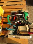 BOX QTY OF VARIOUS GARDEN TOOLS INCLUDING HAND SHEERS ETC