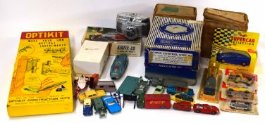 Box containing mixed lot of vintage toys to include Optikit construction kit, Meccano power