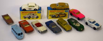Group of mixed Matchbox toy vehicles and other similar makes (2 boxed)
