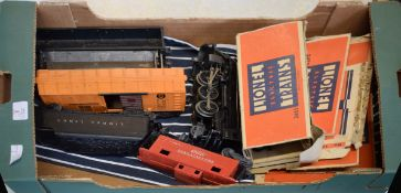 Post war American Lionel electric ~0~ gauge train set in very good condition comprising 1 x 2-6-2