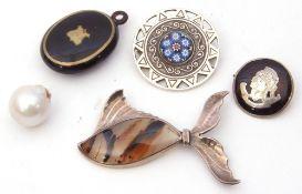 Mixed Lot: silver shield type brooch centring a millefiori glazed circular panel, Birmingham 1978,