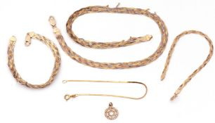 Mixed Lot: a 375 stamped Italian tri-colour necklace and matching bracelet (a/f), two 373 stamped