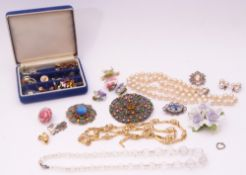 Mixed Lot: costume jewellery to include a gold plated necklace, porcelain floral brooch, simulated
