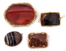 Mixed Lot: large Victorian agate brooch, 8 x 6cm, framed in an ornate gilt metal mount, two
