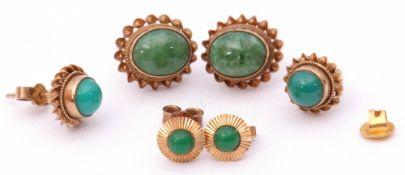 Mixed Lot: pair of 9ct gold and cabochon jade set earrings, a pair of 9ct gold and turquoise set